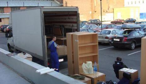 Перевозка мебели в Киеве дешево